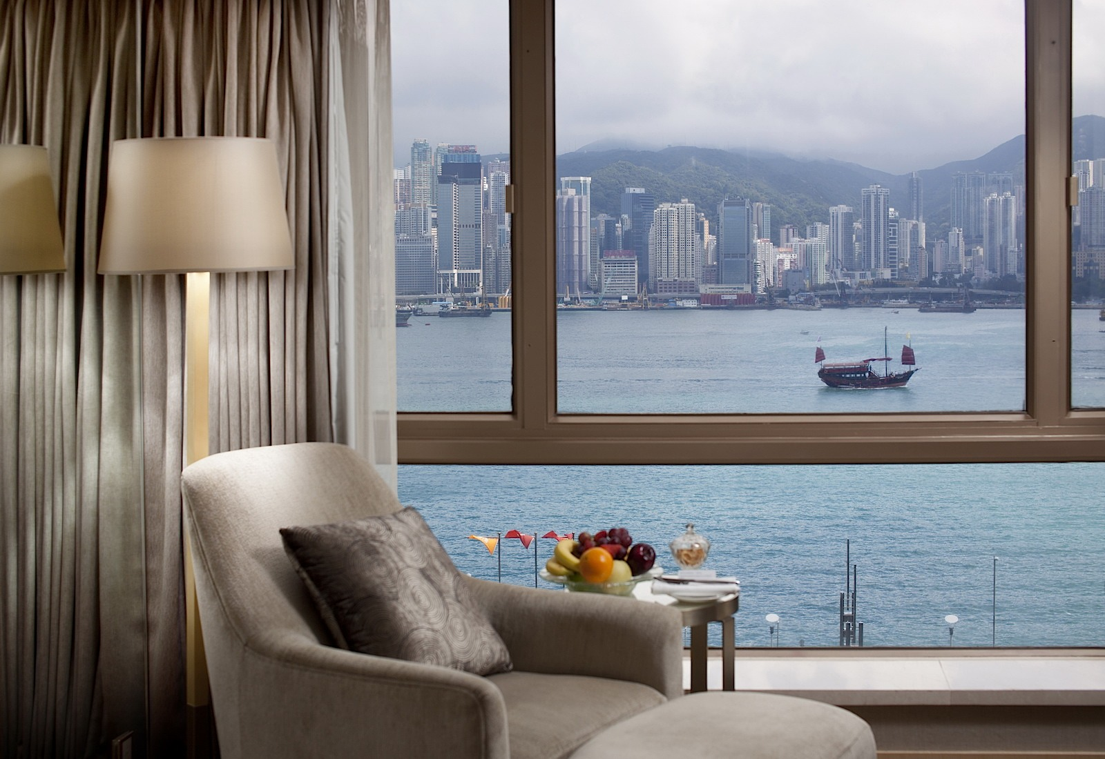 Premier Room Royal Garden Hotel in Hong Kong Tsim Sha Tsui Hotel